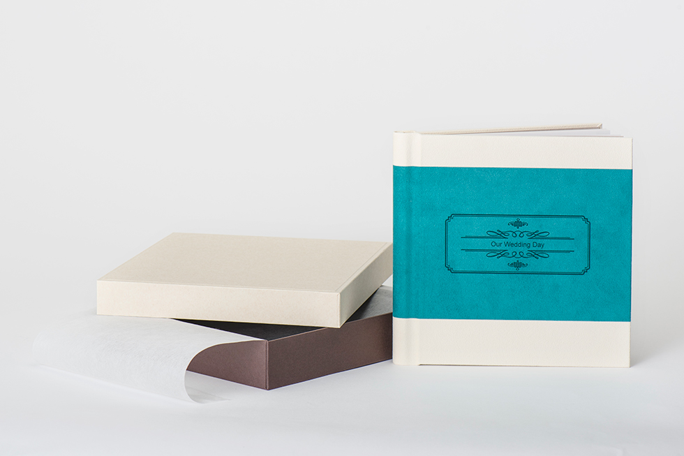 AsukaBook Heirloom Photo Album with teal accent band and box
